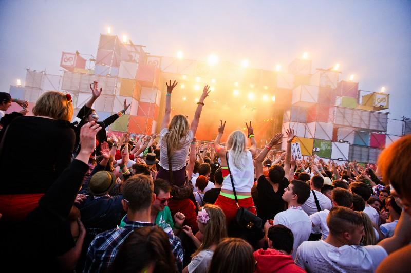 ¿Por que los Millennials aman los festivales de música?