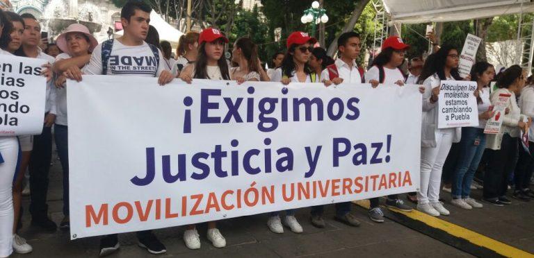 Miles de universitarios exigen Justicia y Paz en Puebla