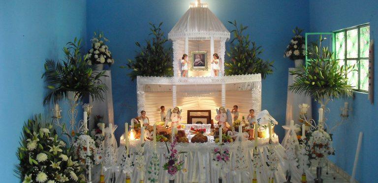 El culto a los muertos en Huaquechula Puebla: Los altares como dispositivos de resistencia cultural