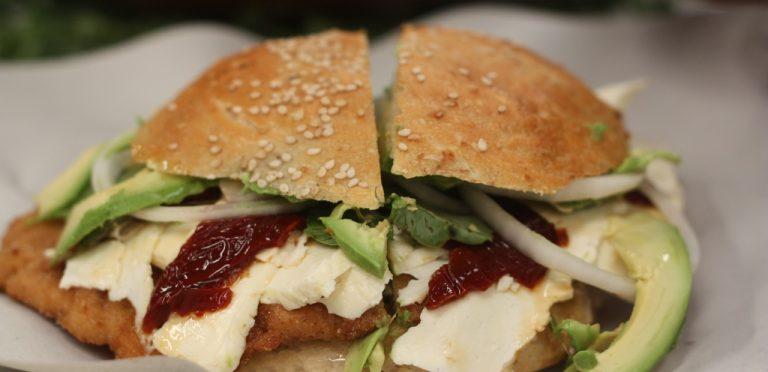 """Revista Condé Nast Traveler califica a las cemitas poblanas como """"el mejor sándwich del mundo"""""""