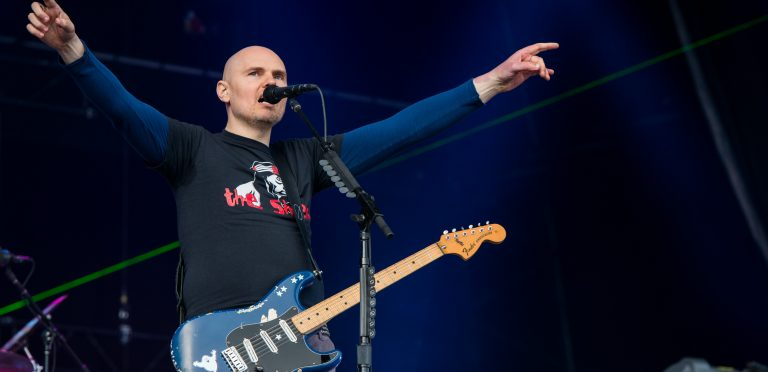 Billy Corgan: Los Reptilianos dirigen la industria musical
