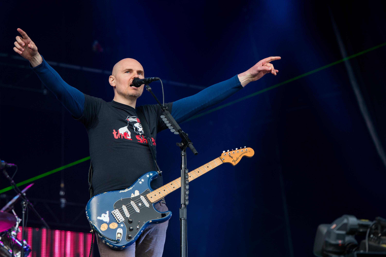 Billy Corgan: Los Reptilianos dirigen la industria musical