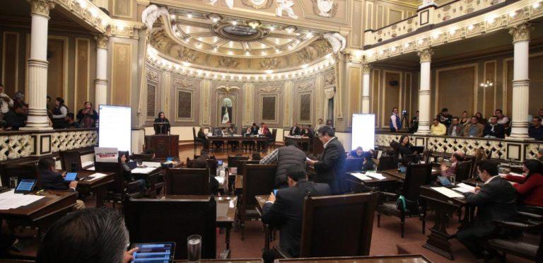 En Puebla dicen no al matrimonio igualitario y cárcel a mujeres que aborten
