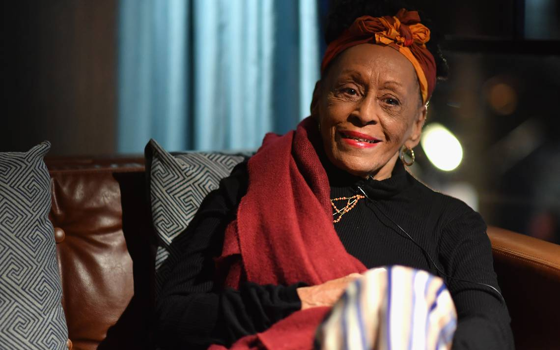 Omara Portuondo aconseja al mundo que escuchen música durante la pandemia