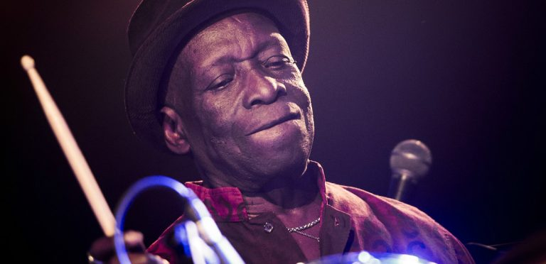 El legendario baterista de Afrobeat Tony Allen ha muerto