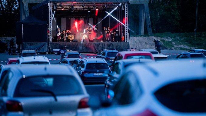 Auto-conciertos: así podrían ser los festivales de música a partir de ahora