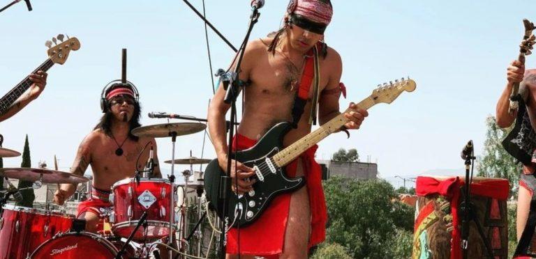 Los Cogelones: Banda de  punk en náhuatl que toca con instrumentos autóctonos