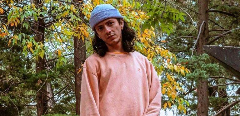 """Aleex Raptor llega con su sencillo """"Fumando en la Banqueta"""""""