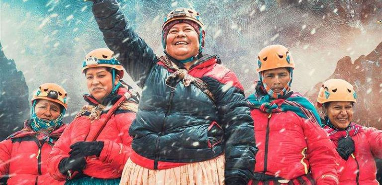 Documental sobre cholitas escaladoras tiene siete candidaturas a los Goya